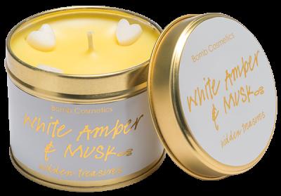 Bomb Cosmetics White Amber & Musk Tinned Handmade Candle 1τμχ 243g